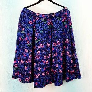 🌻 LuLaRoe Madison Pleated Floral Skirt A30